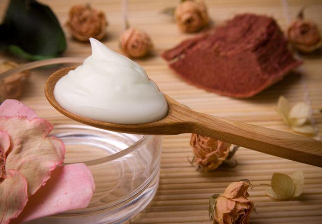 8 Чудо помічників, або які ефірні масла краще використовувати для догляду за шкірою обличчя і тіла?