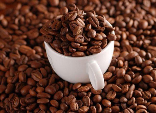 Антицелюлітний скраб з кави в домашніх умовах