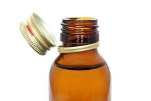 Інструкція по застосуванню вазелінового масла в косметології та медицині