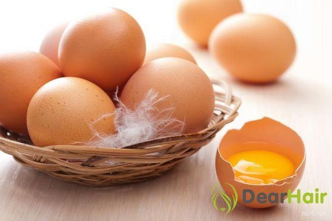Як готувати і застосовувати маски для волосся на основі яєць