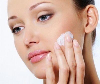 Як можна замаскувати прищі на обличчі?