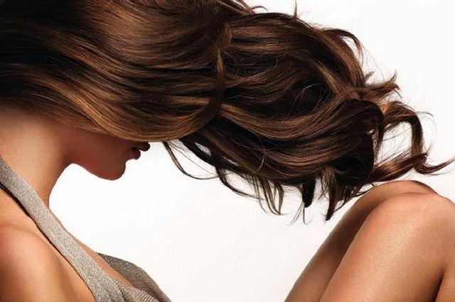 Як приготувати зволожуючу маску для волосся в домашніх умовах?