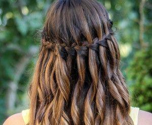 Як зробити красиву зачіску у французькому стилі?