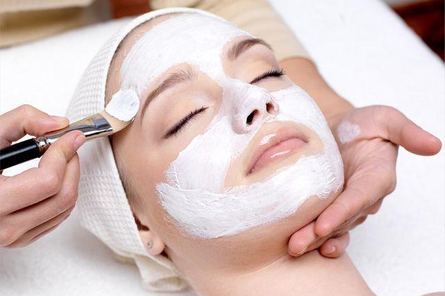 Як зробити відбілюючі маску для обличчя в домашніх умовах?