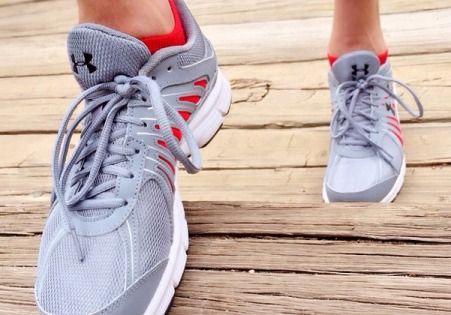 Як вилікувати пітливість ніг - боремося з гіпергідрозом стоп ефективними засобами!