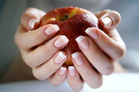 Правильне харчування - запорука здоров`я нігтів