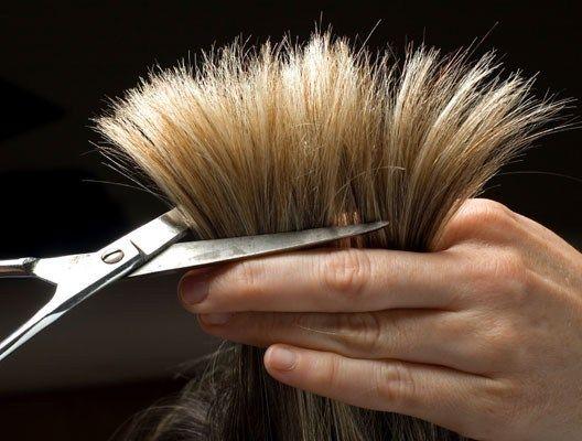 Маски для посічених кінчиків волосся, або як уникнути ножиць в такій нелегкій справі