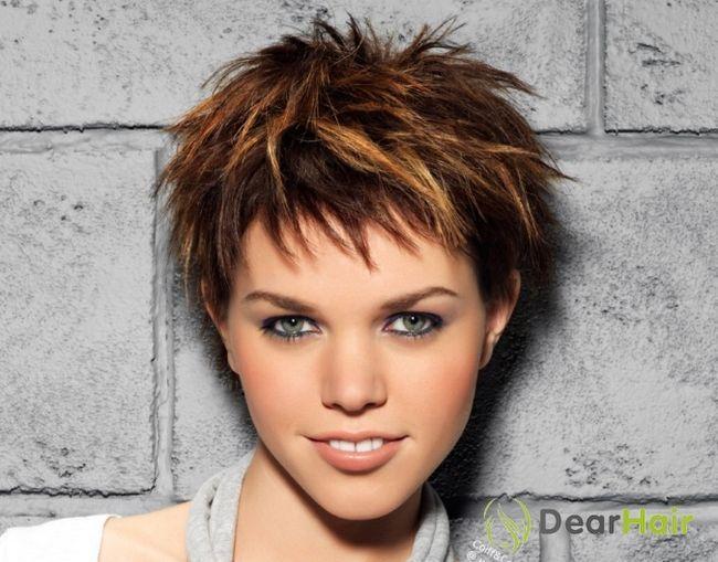 Модельні стрижки для жінок з коротким волоссям