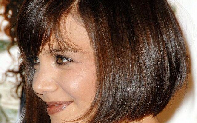 Об`ємні стрижки на тонке волосся: ефектна зачіска