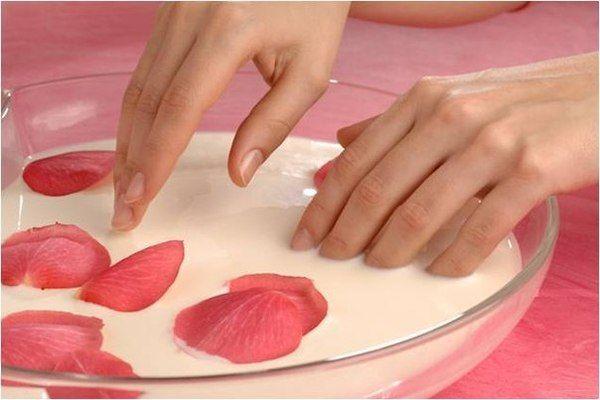 догляду за нігтями
