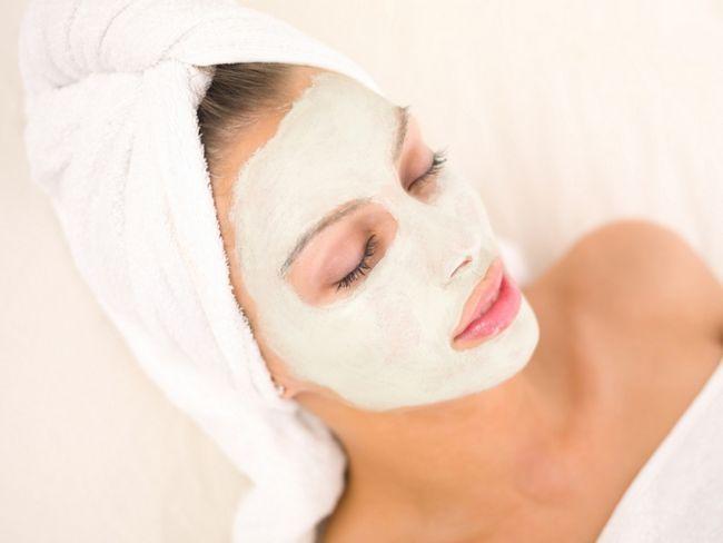 Відбілюючі маски для обличчя - кращі домашні рецепти