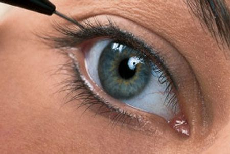 Перманентний макіяж очей: професійний макіяж на кожен день