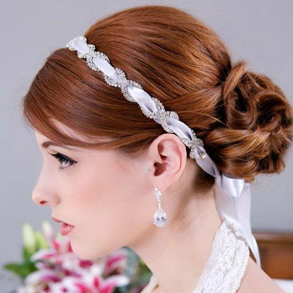 Весільна зачіска з пов`язкою фото