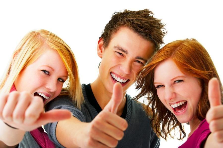 Компанія друзів - поговоримо про проблему підвищеної пітливості у молодих людей