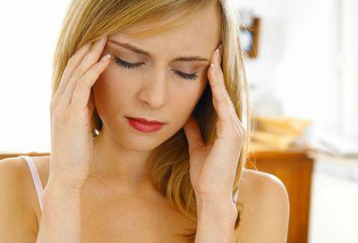 Причини провокують висипання на обличчі у дорослої людини