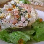 Салат з червоною ікрою і рибою в лаваші - універсальна закуска