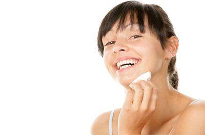 Спеціальні засоби від прищів на обличчі в аптеці