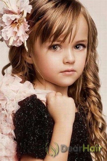 Стильні дитячі зачіски для красивих довгого волосся