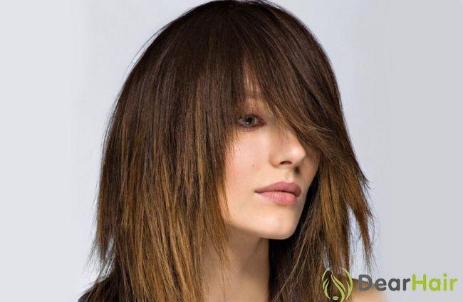 Стрижка драбинкою на середні волосся: як домогтися бажаного обсягу?