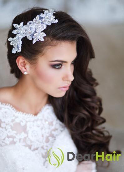Весільна зачіска на один бік - жіночно і романтично