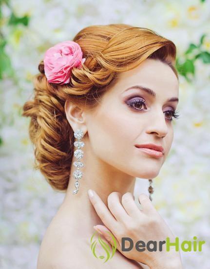 Весільні незвичайні зачіски: кілька креативних ідей