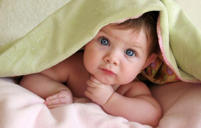Дізнаємося, лікуємо і попереджаємо пітницю у дитини