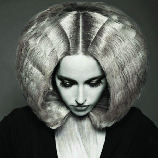 Креативні зачіски на середні 2 фото