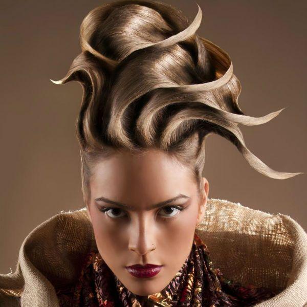 Креативні зачіски на довгих фото