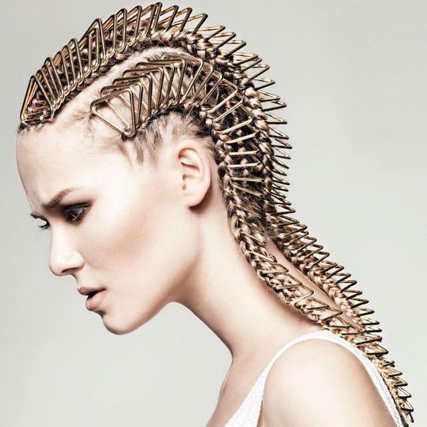 Креативні зачіски на довгих 3 фото