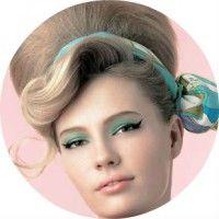 Варіанти оригінальних жіночих зачісок в стилі стиляг з покроковим описом