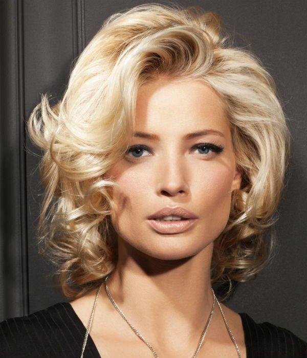 Модельна стрижка для середньої довжини волосся фото
