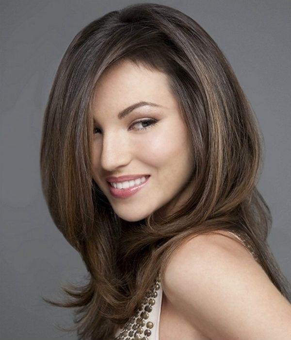 Модельна стрижка для середньої довжини волосся 2 фото