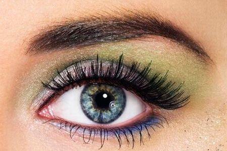 Вибираємо правильний макіяж для сірих очей